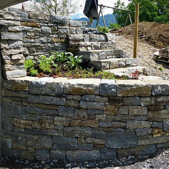 trockenmauer bregenzerwald stein land naturstein und. Black Bedroom Furniture Sets. Home Design Ideas