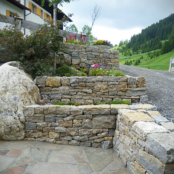 trockenmauer und garten lech vorarlberg stein land. Black Bedroom Furniture Sets. Home Design Ideas